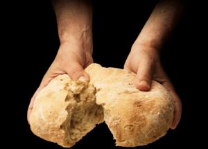 Ao dizer pão e vinho dizemos o que é necessário para viver.